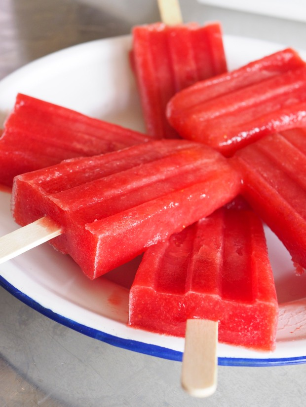 strawberry ice blocks/ice pops/popcicles